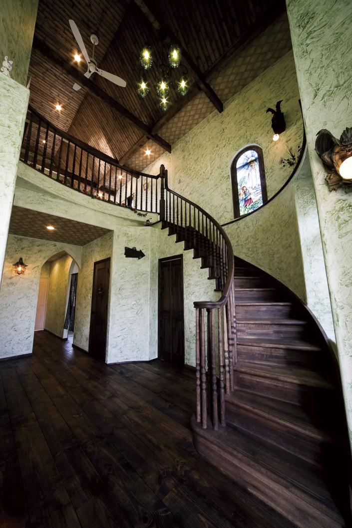 「西洋の古城」を見事に再現。来訪者も思わず見とれる、まさに「世界で一つ」の家